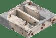 Bois de construction avec mortier et clous